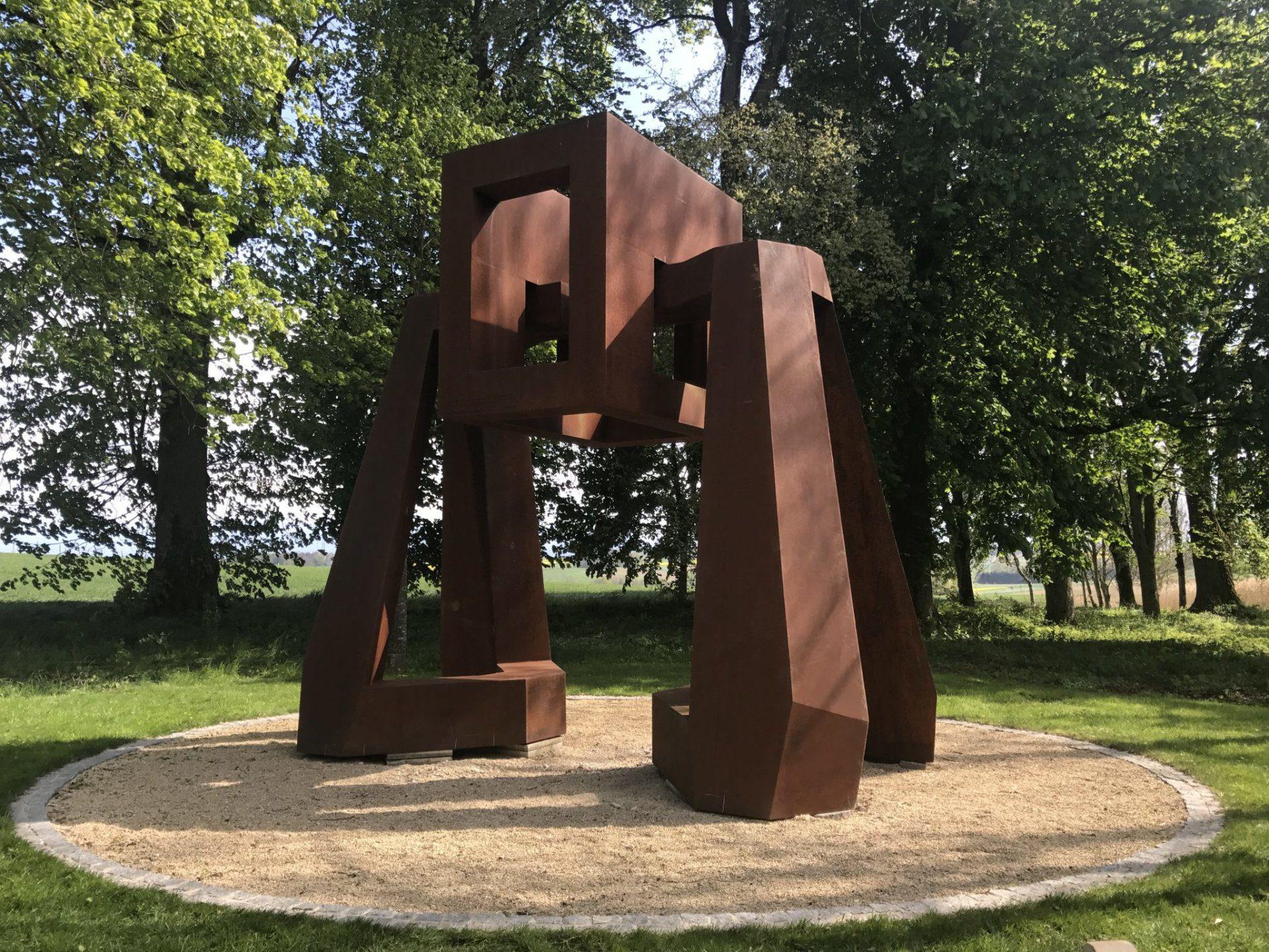 Sculpture du jardin de Muni