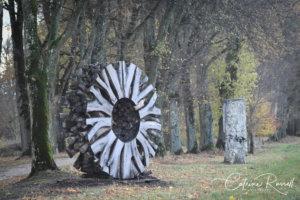 chateau de vullierens1 sculpture de urs twellmann 300x200 - Urs Twellmann