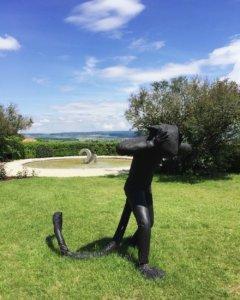 chateau de vullierens sculpture de laura ford 240x300 - Laura Ford - 2018