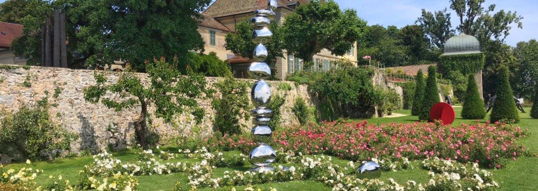 Les 16 stones de Pol Quadens sur la terrasse du Château.