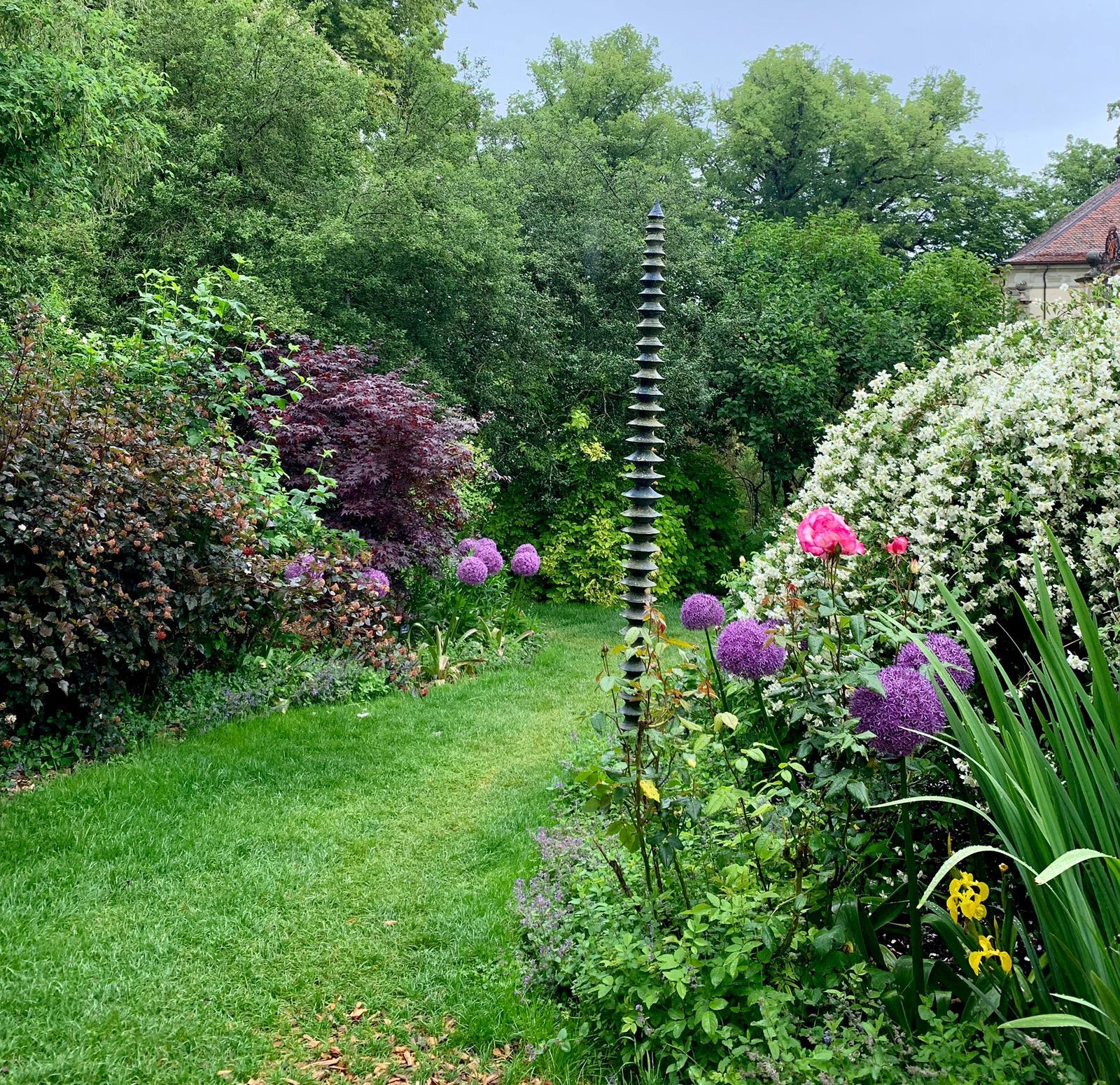 Le jardin secret en fleurs.