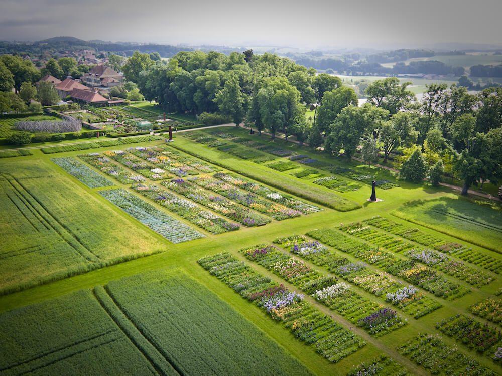 chateau de vullierens3 vue arienne des jardins - NV6 - DARING DECEPTION