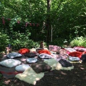 chateau de vullierens1mon moment magique 300x300 - Cet été en famille dans nos jardins !